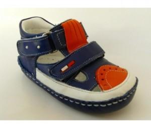 ilk ayakkabı nasıl olmalı 300x255 Kapıda Ödemeli Bebek Ayakkabısı