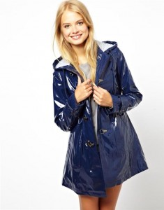 yağmurluk modelleri 235x300 Modellere Bir Göz At Yağmurluğunu Seç!