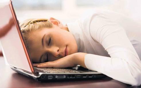 sabah yorgunlugu nedenleri Sabah Yorgunluğu Çekiyorsanız Bunlara Dikkat Edin