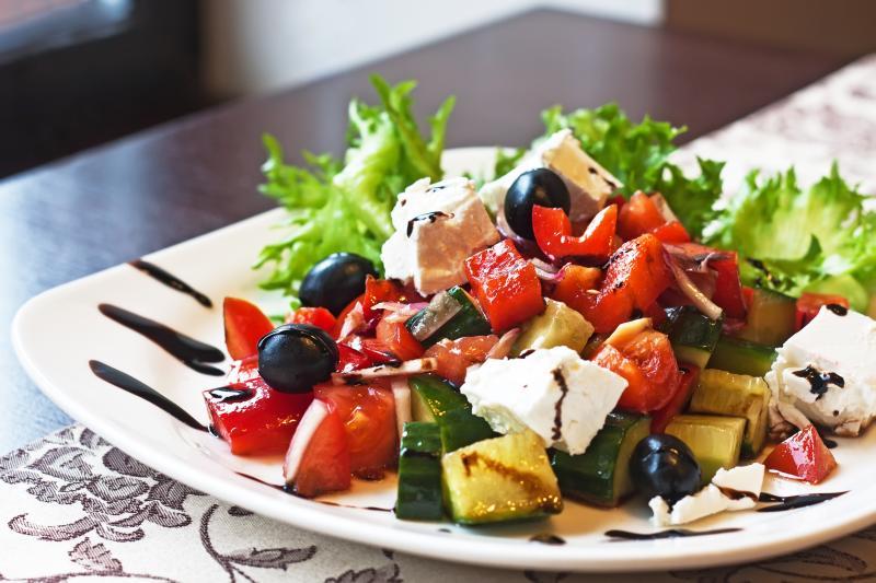 sebze ve salatalar ile tok kalmak Sürekli Acıkmaktan Kurtul! Tok Tutan Besinler