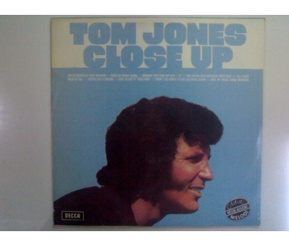TOM JONES-CLOSE UP