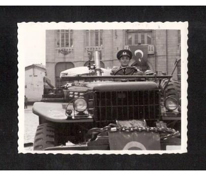 D&K- ASKERİ ARAÇ ISPARTA HÜKÜMET MEYDANI 1961