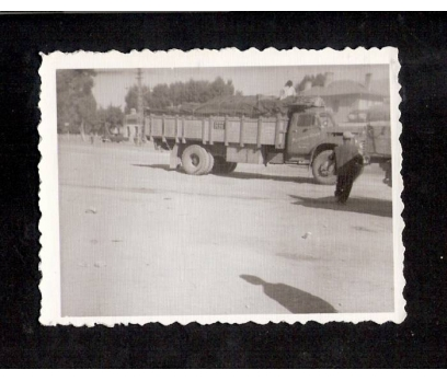 D&K- NİĞDE İSTASYONU KAMYON 1962 YILI FOTOĞRAF