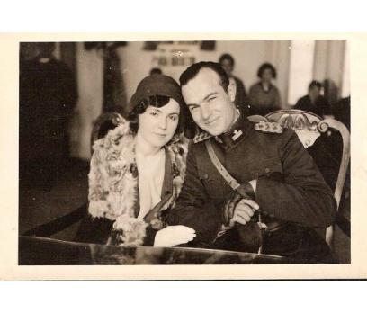 1935 GENÇ SUBAY VE EŞİ-FOTOGRAF.