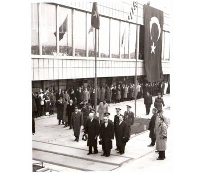 EİSENHOWER TÜRKİYE'DE ESENBOĞA'DA