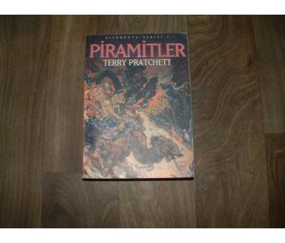 PİRAMİTLER TERRY PRATCHETT İTHAKİ YAYINLAR- 2002