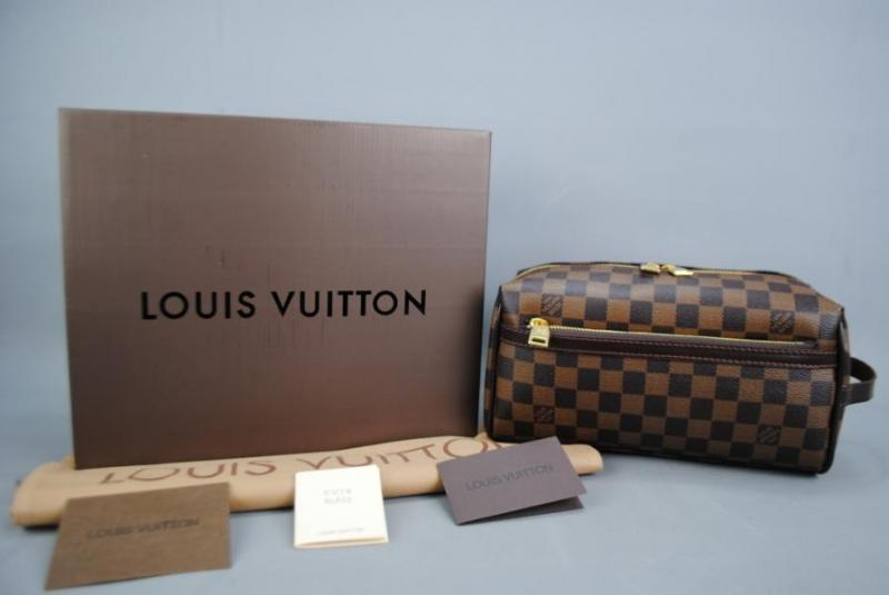 LOUIS VUITTON TOILETRY KIT DAMİER CANVAS 1