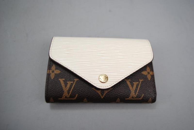 LOUİS VUİTTON  Marie-Lou Compact Wallet 2
