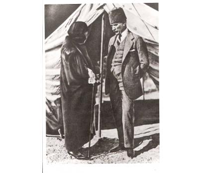 D&K-ATATÜRK-EŞİ LATİFE HANIMLA 1923