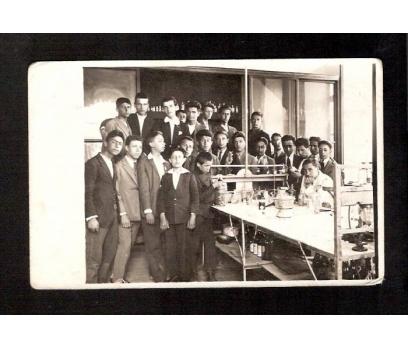 D&K- HAYDARPAŞA LİSESİ 1944 LABRATUVAR FOTOGRAF